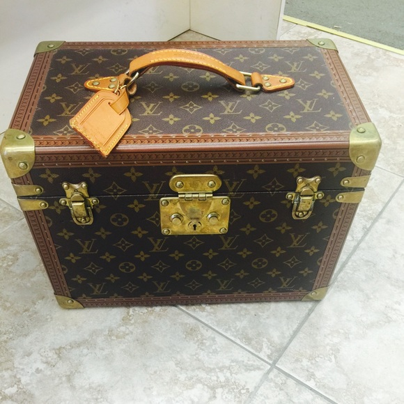 Louis Vuitton Jewelry Authentic Trunk Poshmark