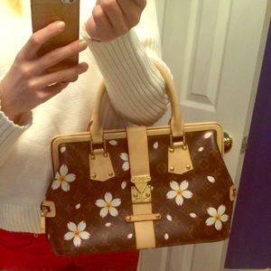 👜💄Inspired by but trendy LV purse medium size