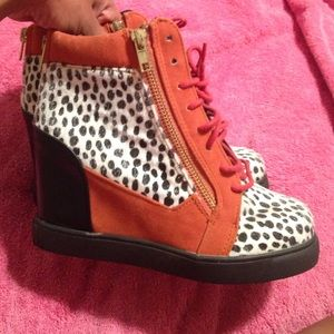Shoe Republic LA Shoes - Wedge Heels sneakers