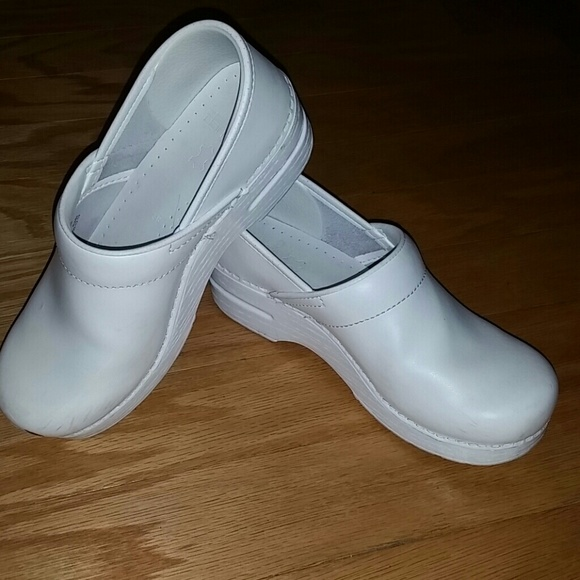 35 dansko shoes white 7 5 s dansko shoes from