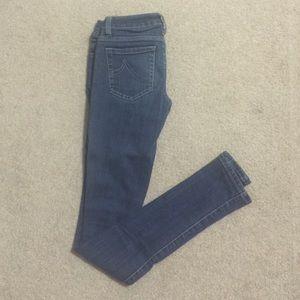 Stretchable super skinny jeans