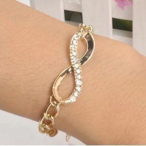 Jewelry - Cute Gold Crystal Rhinestone Infinity Bracelet