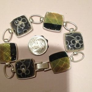 Jewelry - Pretty blue and green silver tone bracelet