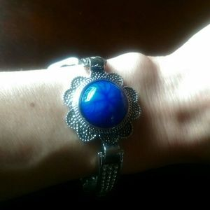 Nwt BLUE STONE Antiqued Silvertone Bracelet Boho!