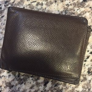 Authentic Louis Vuitton brown EPI wallet