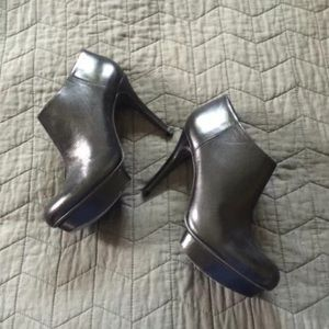 Tory Burch black leather bootie heels - 8 M