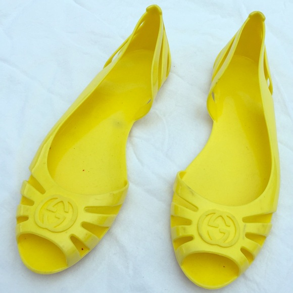 06121753f7fa Gucci Shoes - Gucci yellow jelly sandals. Size 8