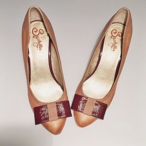 Seychelles Shoes - Adorable Bow Seychelles Pumps from Anthropologie