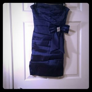 Dresses & Skirts - Navy coctail dress, worn once for 3 hours.