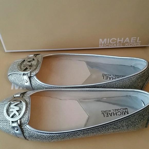 92c6e18eb6b0 Buy michael kors silver glitter shoes   OFF64% Discounted