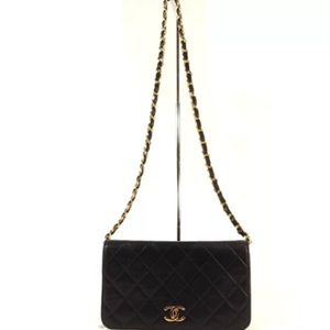 CHANEL flap bag more pictures