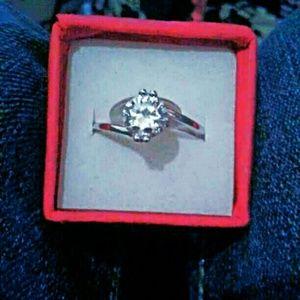Unknown Jewelry - Brand New Beautiful Ring