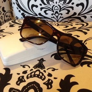 f36c609c085 Versace Accessories - Versace Sunglasses