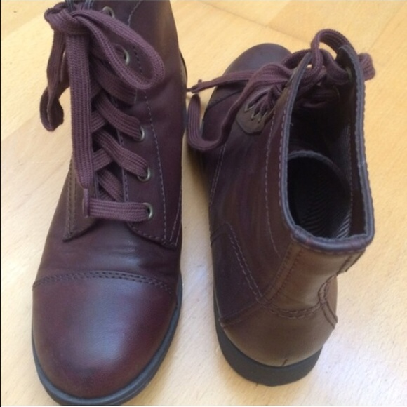black poppy burgundy ankle boot from s closet on