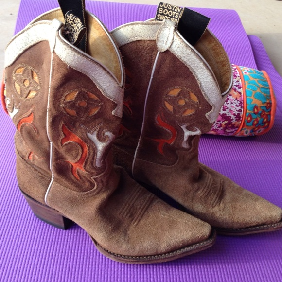 4be4c291bf2 Vintage Justin cowboy boots. Rare!
