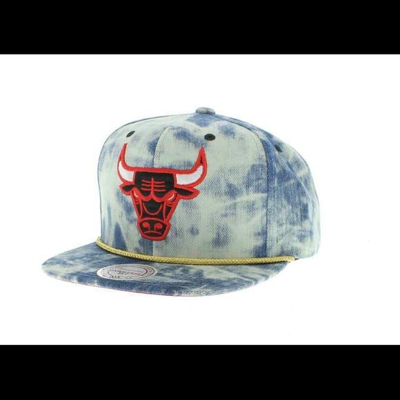 meet 6ed1b 58c32 ... purchase mitchell ness chicago bulls denim snapback 3405e 61f77