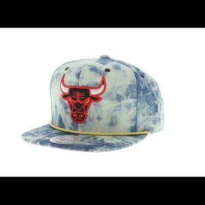 Mitchell   Ness Other - Mitchell   Ness Chicago Bulls denim snapback 294becb9ed3