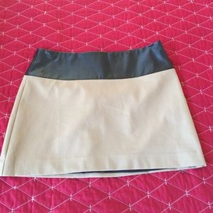 Express Black and Tan skirt