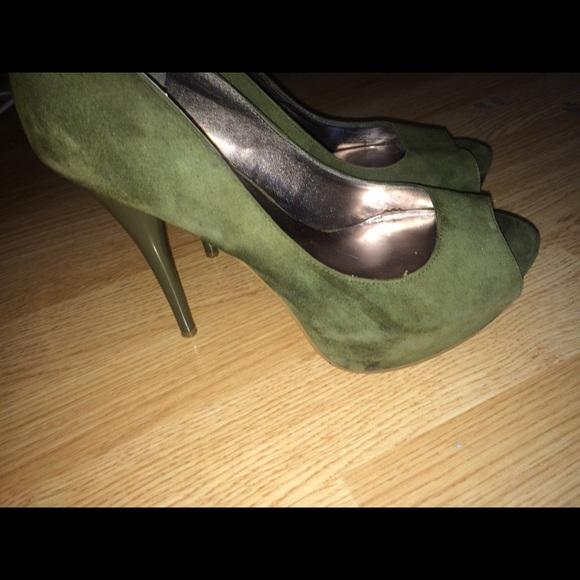 Steve Madden Olive Green Heels