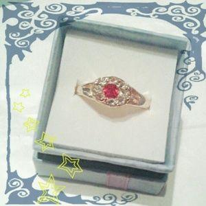 Unbranded Jewelry - 💁Beautiful Gold Plated Rhinestone Ring💍
