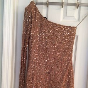 Ark & co gold dress. Never been worn. Size: L