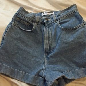 Light wash high waist jean cuff short