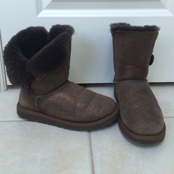 Brown Bailey Button short Ugg Boots