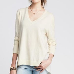 V neck pull over sweater