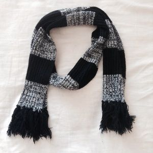 Vintage Black and White Spotted Fringed Scarf