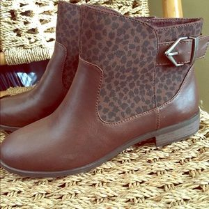 Nice brown flat booties