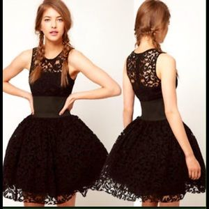 Dresses & Skirts - Black Swan perfect party dress!