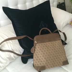Classic Dooney and Bourke backpack