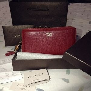 AUTHENTIC GUCCI Bamboo Tassel Leather Zip Wallet