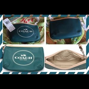 NWT ️AUTHENTIC COACH F51788 TEAL WRISTLET 💚