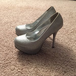 Sparkle silver heels