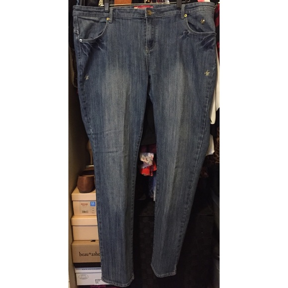 74% off Apple Bottoms Denim - Apple Bottom Skinny Jeans from ...