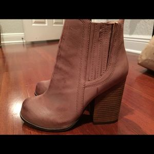 Jeffrey Campbell Shoes - Jeffrey Campbell for LF tan bootie size 8.5 NWT