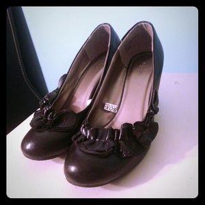 Black Ruffle Heels