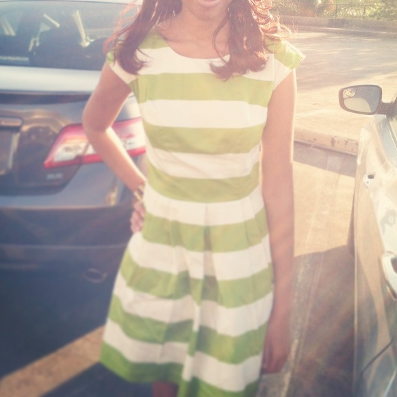 Forever 21 Dresses & Skirts - Green and white striped dress💚