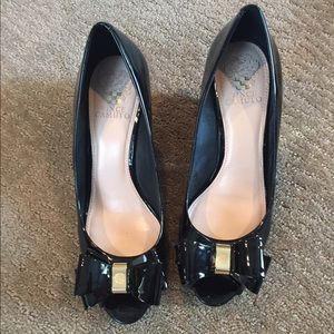 Patent Vince Camuto black wedges