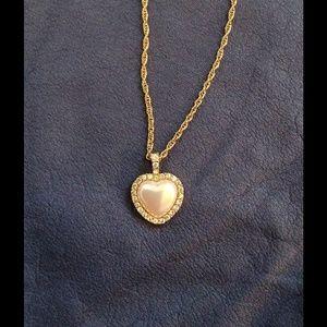 Jewelry - Rhinestone Heart Pearl Necklace
