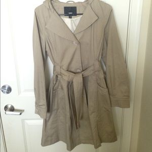 Small Mossino Trench Coat (Target)
