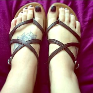 Strappy flats!