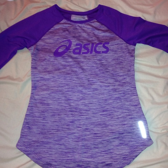 adc635933095 asics Tops - Purple asics dri-fit longsleeve!