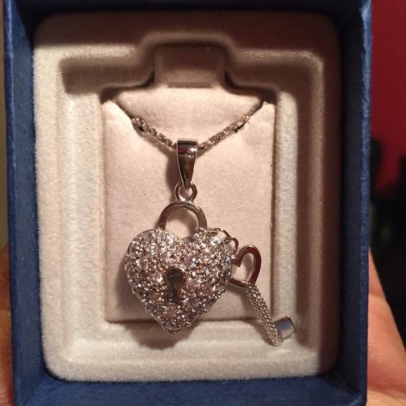 Piercing Pagoda Jewelry: 86% Off Piercing Pagoda Jewelry