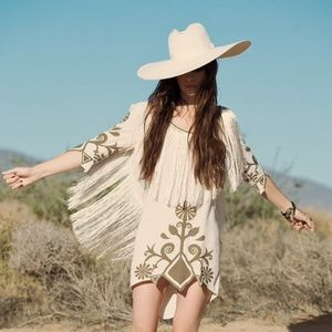 J And B Coaches Byron Bay Express ... and the Gypsy Dresses - Spell Byron Bay Wild Horses Dress🐴💗 3