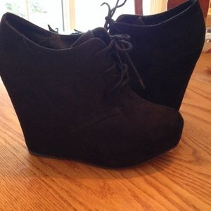 Qupid black wedge heels