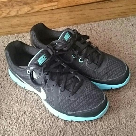 d4307b745adf 65% off Nike Shoes - NIKE LUNARLON DYNAMIC SUPPORT from Kierstin s closet  on Poshmark