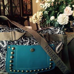 559491ed6a0 Pretty twin Fashion's Closet (@theprettytwins) | Poshmark