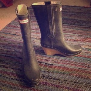Navy Hunter boots!